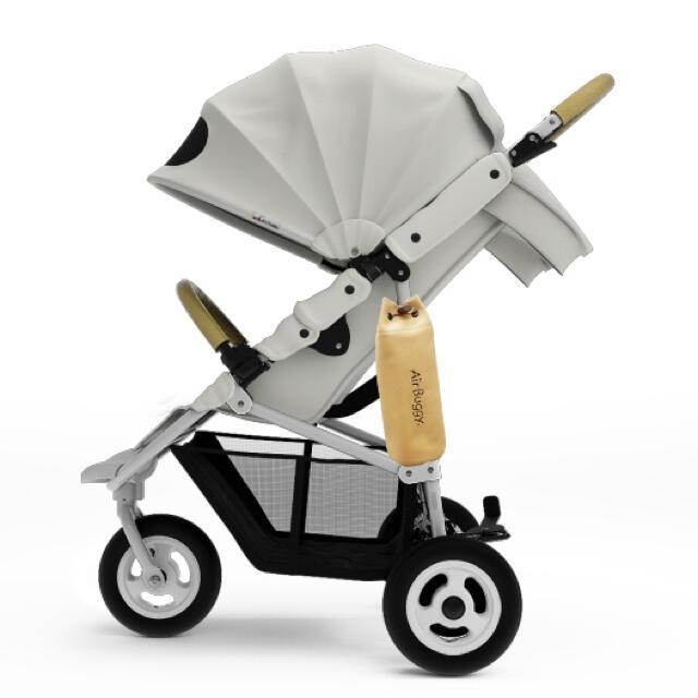 AIRBUGGY(エアバギー)の【新品・未使用】エアバギー ココ ブレーキ EX ホワイト キッズ/ベビー/マタニティの外出/移動用品(ベビーカー/バギー)の商品写真
