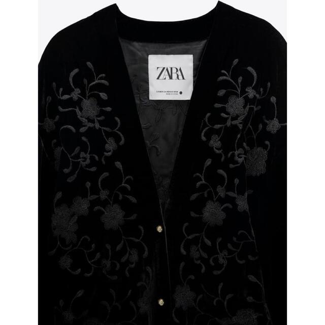 ZARA(ザラ)の今期 zara エンブロイダリー ベルベット キモノ レディースのトップス(カーディガン)の商品写真