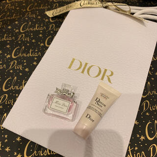 Dior - Dior【新品未使用】2020 クリスマス カプチュールトータル乳液&ミニ香水