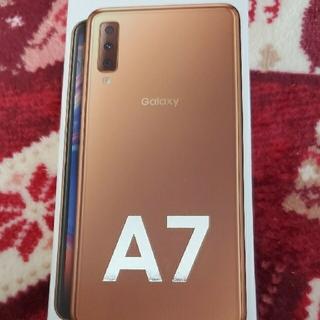 ギャラクシー(Galaxy)のGalaxy A7 ゴールド 64GB 新品未使用品(携帯電話本体)
