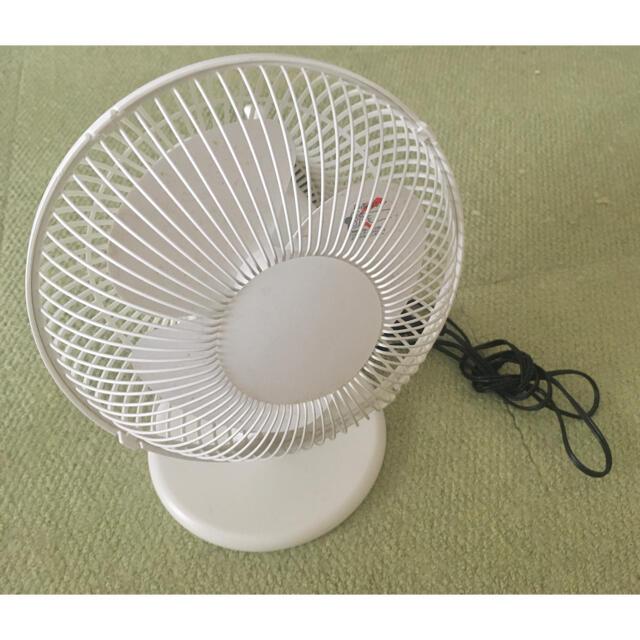 ±0(プラスマイナスゼロ)の±0 プラスマイナスゼロ★小型扇風機★XQS-A220 スマホ/家電/カメラの冷暖房/空調(扇風機)の商品写真