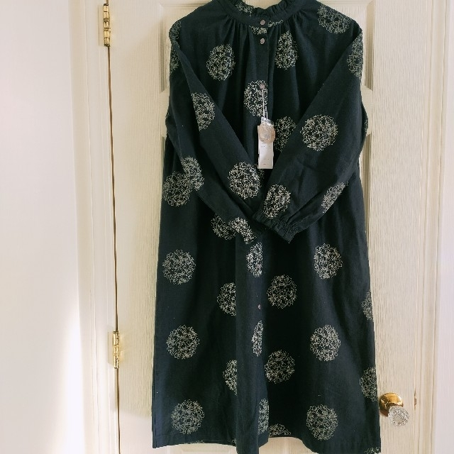 SM2(サマンサモスモス)のママりん様専用 新品 花刺繍 前後着 ワンピース レディースのワンピース(ひざ丈ワンピース)の商品写真