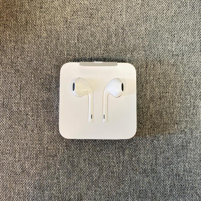 Apple(アップル)のApple純正 Lightning イヤホン スマホ/家電/カメラのオーディオ機器(ヘッドフォン/イヤフォン)の商品写真
