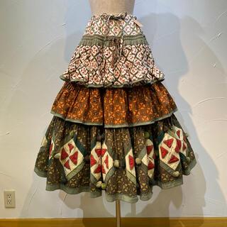 KANEKO ISAO - ワンダフルワールド 凄〜い❗️段々スカートで定価15万4000円でした。