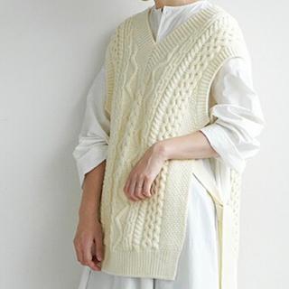 ルカ(LUCA)の【unfil】フレンチメリノケーブルニットベスト(ニット/セーター)