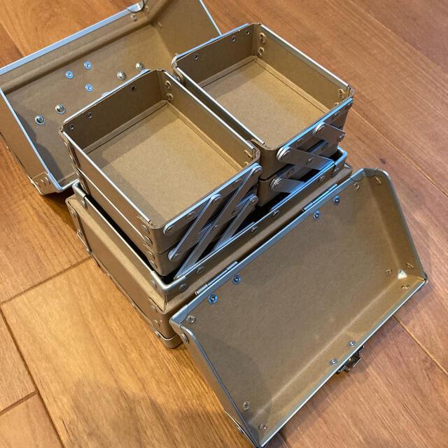 shu uemura(シュウウエムラ)のシュウウエムラ メイクボックス 未使用品 コスメ/美容のメイク道具/ケアグッズ(メイクボックス)の商品写真