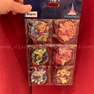 ダッフィー - 香港ディズニー新商品🌟15周年記念 ダッフィーフレンズ マグネットセット