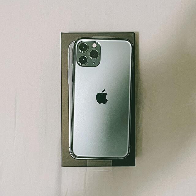 iPhone(アイフォーン)の【未使用】iPhone 11 Pro 256GB ミッドナイトグリーン スマホ/家電/カメラのスマートフォン/携帯電話(スマートフォン本体)の商品写真