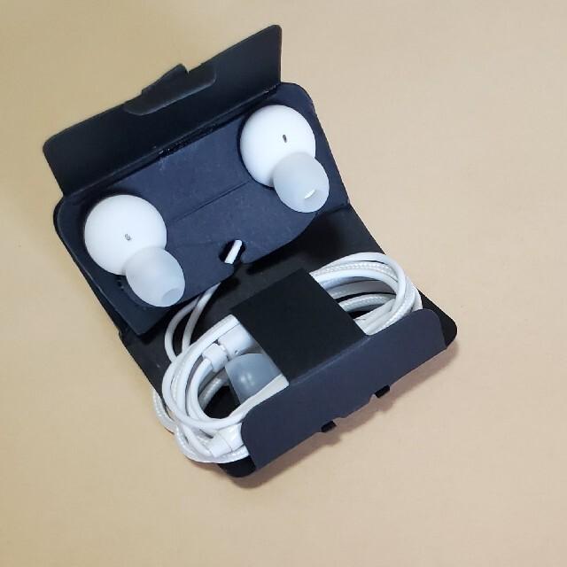 Galaxy S10 付属イヤホン AKG EO-IG955 スマホ/家電/カメラのオーディオ機器(ヘッドフォン/イヤフォン)の商品写真