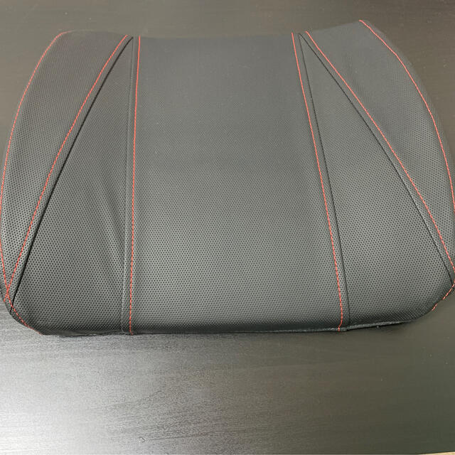 【エース7825様専用】車用 腰クッション 自動車/バイクの自動車(車内アクセサリ)の商品写真