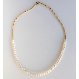 agete - 淡水パールネックレス イエローゴールドカラー パールネックレス 淡水真珠 白