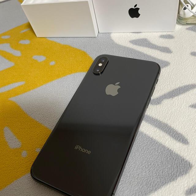Apple(アップル)の[だん様専用] iphone xs 64g au simフリー ブラック スマホ/家電/カメラのスマートフォン/携帯電話(スマートフォン本体)の商品写真