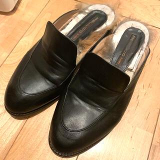 ペリーコ(PELLICO)のPELLICO SUNNYファーローファー ブラック 37(ローファー/革靴)