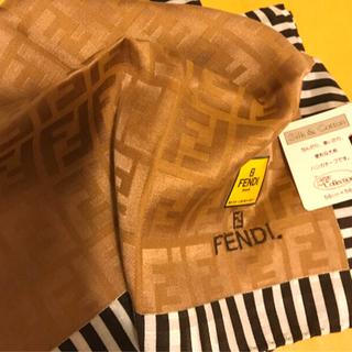 FENDI - 未使用フェンディ ハンカチスカーフシルク混   ブラウンゴールド shining