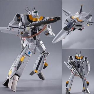 BANDAI - DX超合金 マクロス VF-1S バルキリー ロイ・フォッカースペシャル