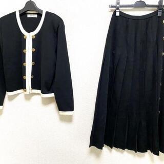 カネコイサオ(KANEKO ISAO)のカネコイサオ スカートセットアップ美品  -(セット/コーデ)