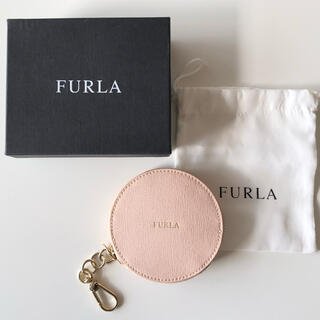 Furla - 【FURLA】ピンク 丸型 チェーン付き コインケース
