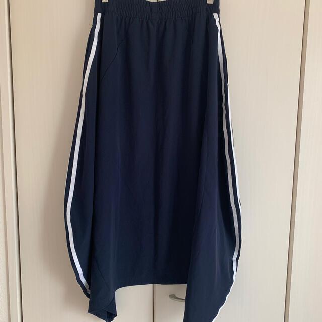 adidas(アディダス)のアディダス スカート レディースのスカート(ロングスカート)の商品写真