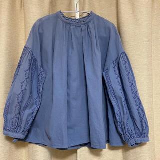 SM2 - 刺繍入りブラウス ブルー