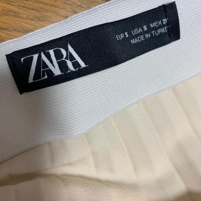 ZARA(ザラ)のZARA/サテンプリーツスカート レディースのスカート(ロングスカート)の商品写真
