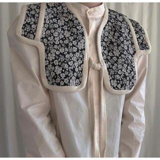 dholic - 韓国 インポート ブラウス レトロ 刺繍 ケープ