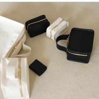 ロンハーマン(Ron Herman)のlifestylist レザー ミニブックバッグ Mini Book Bag  (ハンドバッグ)