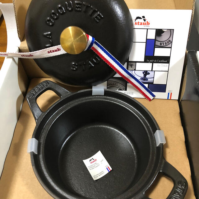 STAUB(ストウブ)のstaub ココット ヴィンテージ12cm 黒 インテリア/住まい/日用品のキッチン/食器(鍋/フライパン)の商品写真