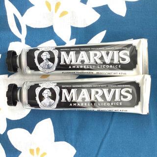 マービス(MARVIS)のMARVIS マービス リコラスミント 85ml 2本 新品未使用☆匿名発送(歯磨き粉)
