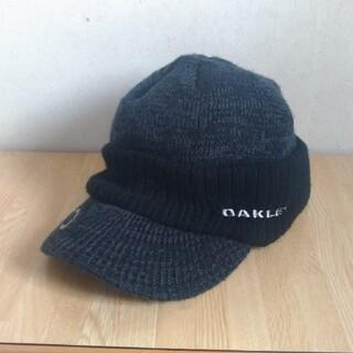 オークリー(Oakley)のオークリー oakley 帽子 ニットキャップ ゴルフ 登山 アウトドア 美品(ニット帽/ビーニー)