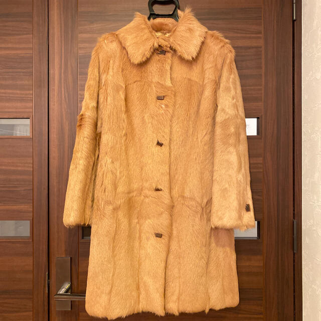 STRAWBERRY-FIELDS(ストロベリーフィールズ)の毛皮コートMサイズ レディースのジャケット/アウター(毛皮/ファーコート)の商品写真