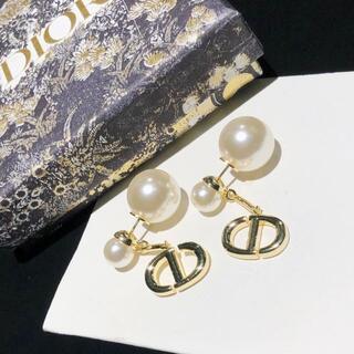 Dior - ディオール Dior ピアスCD パール