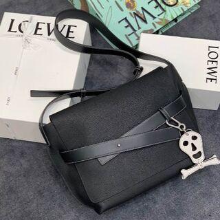 LOEWE - LOEWE  ブラック  ショルダーバッグ  L36053