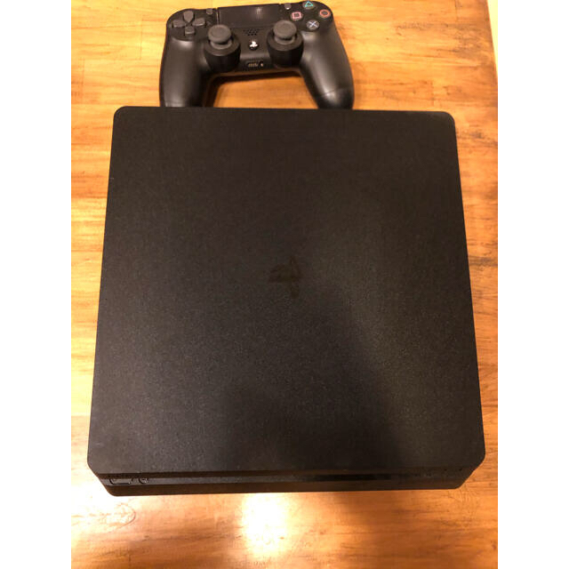 PlayStation4(プレイステーション4)のSONY PlayStation4 本体 CUH-2000AB01 500ギガ エンタメ/ホビーのゲームソフト/ゲーム機本体(家庭用ゲーム機本体)の商品写真