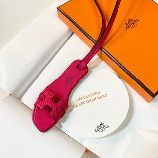 Hermes - ✨国内入手困難✨超レア✨エルメス オランチャーム ローズメキシコ 新品未使用