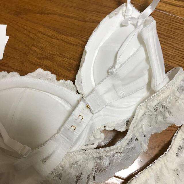 rienda(リエンダ)の★ rienda suelta★ 純白White★サイズC65-70  レディースの下着/アンダーウェア(ブラ&ショーツセット)の商品写真