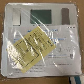 オムロン(OMRON)の未使用 OMRON 体重体組成計HBF-228T-SW カラダスキャン(体重計/体脂肪計)