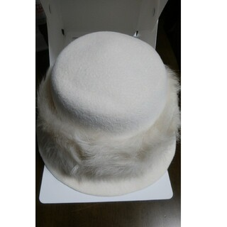 ヘレンカミンスキー(HELEN KAMINSKI)のヘレンカミンスキー ウールフェルト帽子  ファー飾り 未使用品  タグ付き(その他)