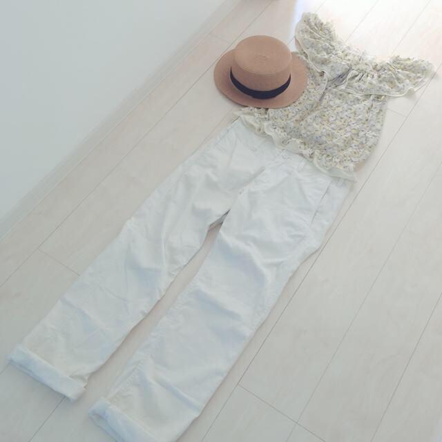 coen(コーエン)のcoen*ホワイトパンツ レディースのパンツ(カジュアルパンツ)の商品写真