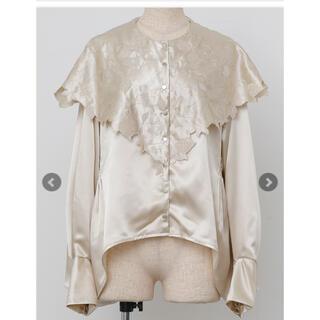 Ameri VINTAGE - riu Flower scallop cape blouse ベージュ
