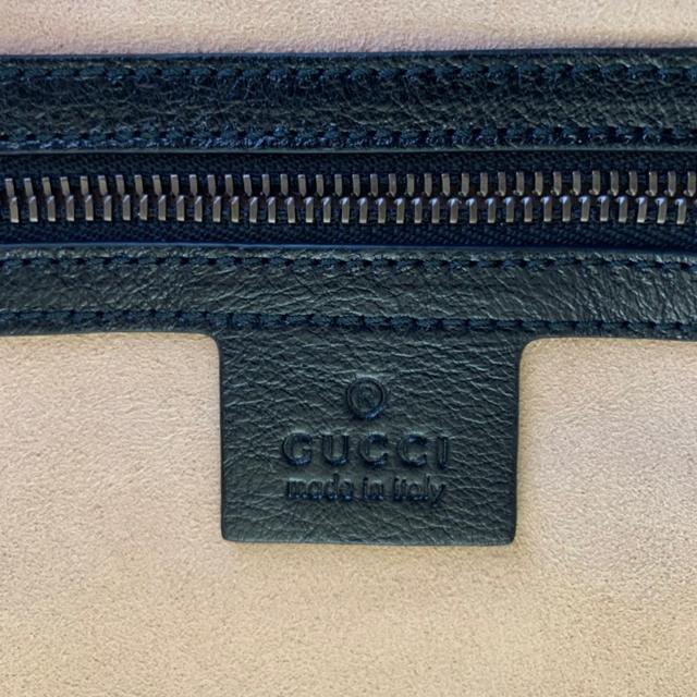 Gucci(グッチ)の【新品未使用】GUCCI♡GGマーモント トートバッグ グッチ レディースのバッグ(ショルダーバッグ)の商品写真