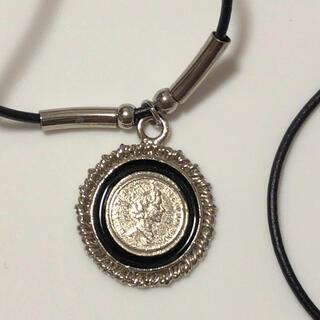 コインデザインのネックレス