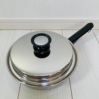 アムウェイ(Amway)の◇◆新品未使用◆◇ アムウェイクイーン 中フライパン 鍋 匿名配送・送料無料(鍋/フライパン)