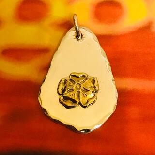 ゴローズ(goro's)のゴローズ 金ローズ付き 印台(ネックレス)