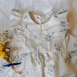 petit main - ハンドメイド ショルダーフリルワンピース 花柄 100