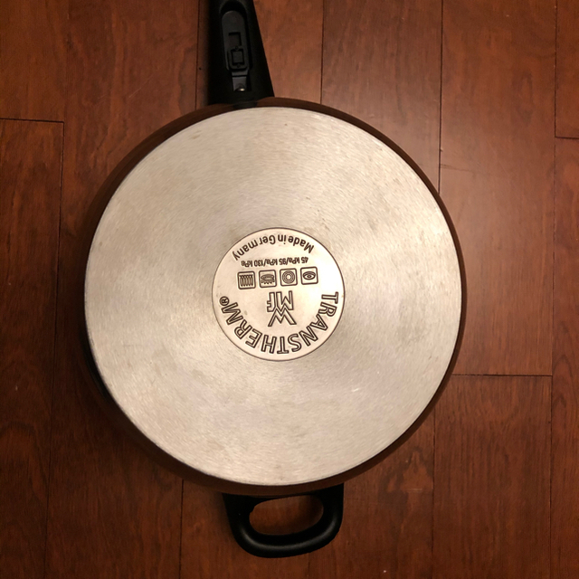 WMF(ヴェーエムエフ)のWMF圧力鍋4.5L インテリア/住まい/日用品のキッチン/食器(鍋/フライパン)の商品写真