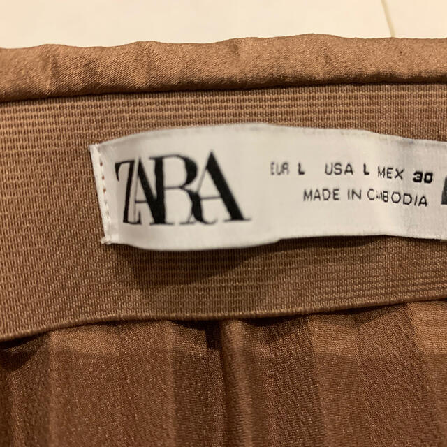 ZARA(ザラ)の☆ZARA☆サテンプリーツロングスカート☆ブラウン☆L☆. レディースのスカート(ロングスカート)の商品写真