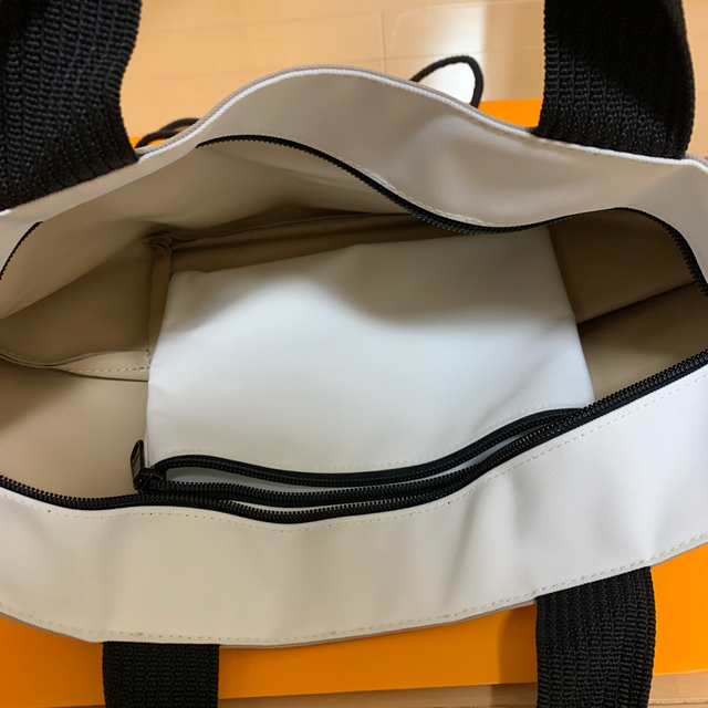 Herve Chapelier(エルベシャプリエ)のエルベシャプリエ  ナイロントート Mサイズ レディースのバッグ(トートバッグ)の商品写真