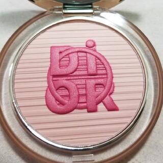 Dior - 限定色 残量9割程度 ディオールスキン ミネラル ヌード グロウ パウダー