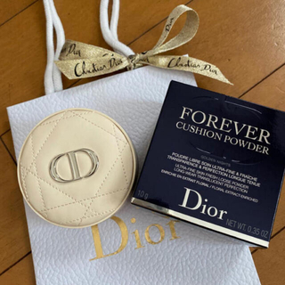 Christian Dior - 限定品 ディオール スキンフォーエヴァークッションパウダー 新品 ショッパー付き