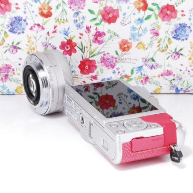 Panasonic(パナソニック)の★超かわいい★LUMIX DMC-GF7 美肌効果! スマホ/家電/カメラのカメラ(デジタル一眼)の商品写真